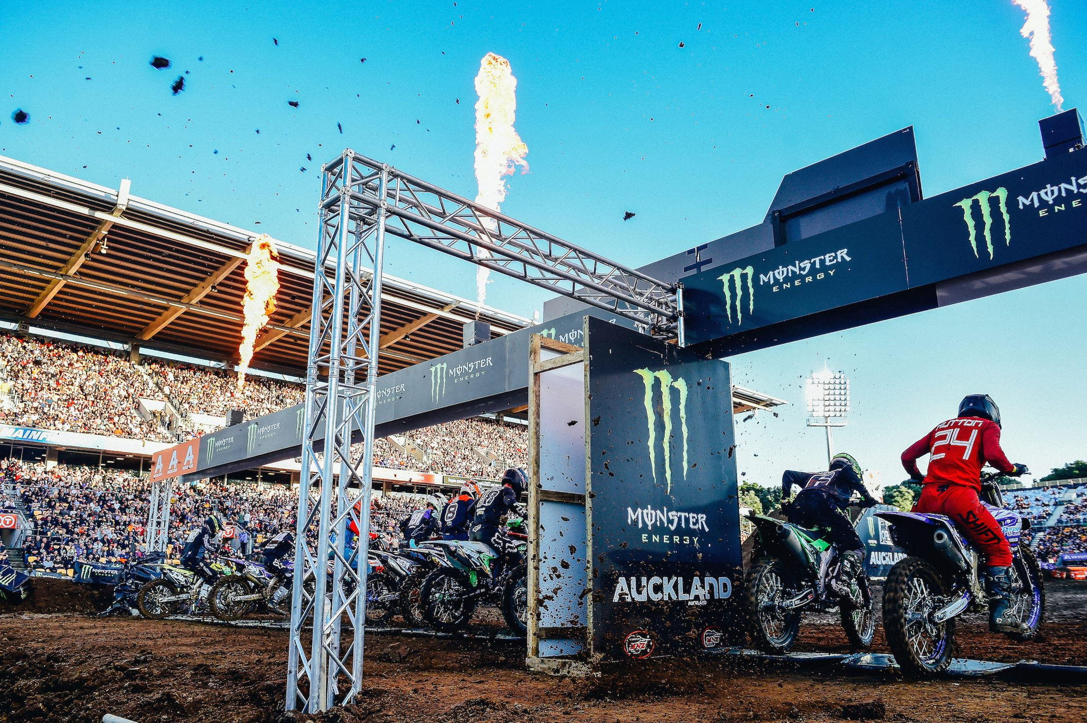 SX 2 starting action 2018 SX Open - Auckland / SX 2 FIM Oceania Supercross Championships Mt Smart Stadium / Auckland NZ Saturday Nov 24th 2018 © Sport the library/ Jeff Crow / AME